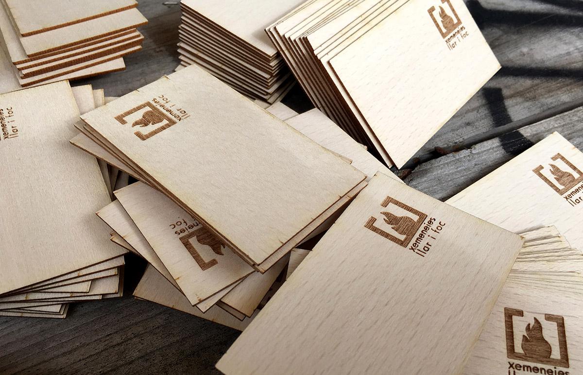 diseño grafico  Tarjetas de madera     5