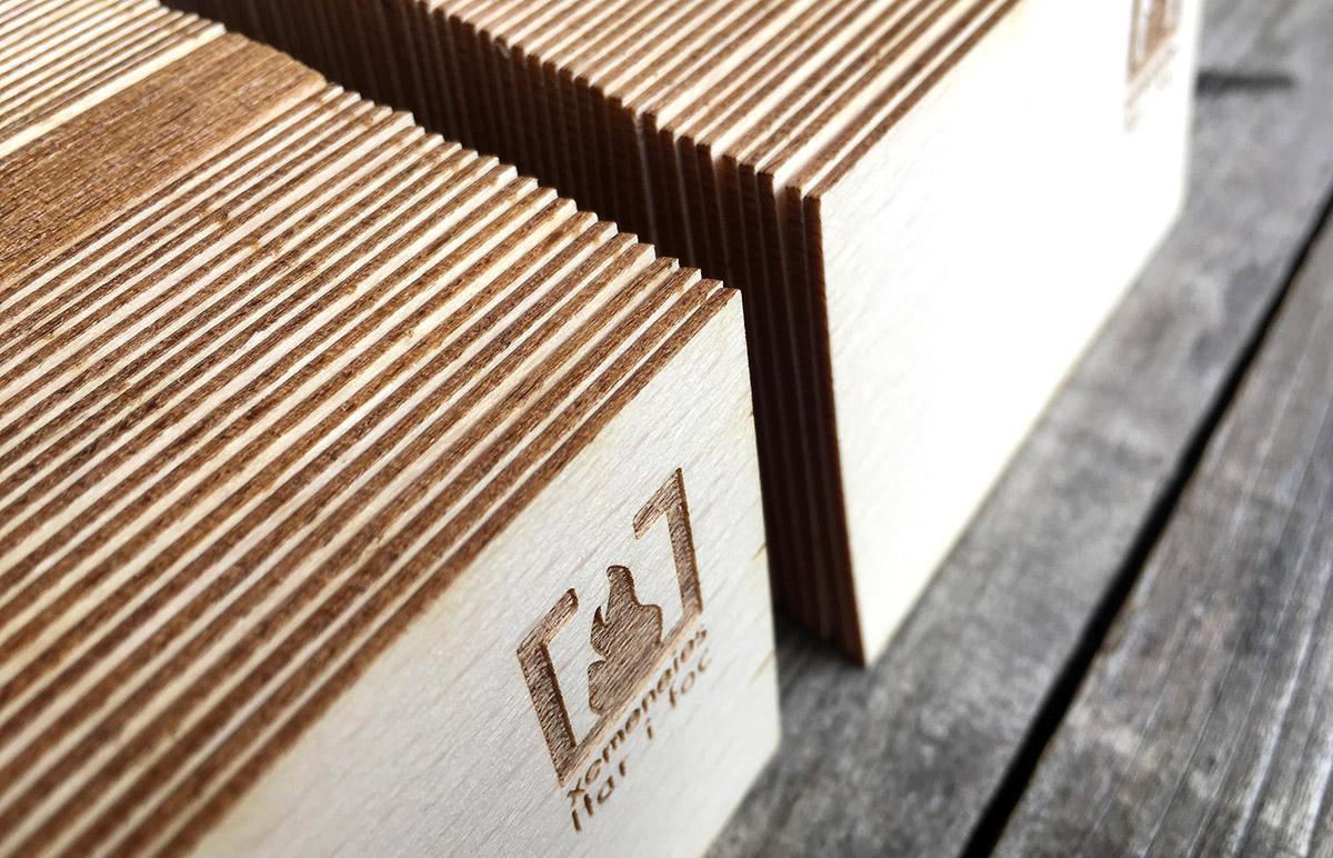 diseño grafico  Tarjetas de madera     6